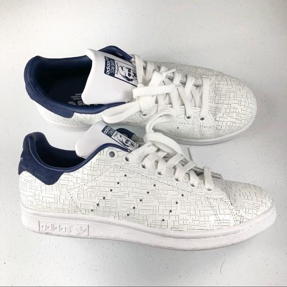 best service ccc41 a210b adidas Chaussure tan smith siz poshmark poshmark poshmark baskets blanches  3ad677